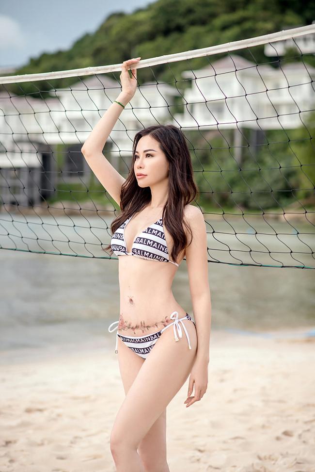 Những bức ảnh nghệ thuật được đăng tải trên trang cá nhân của Đào Lan Phương khiến nhiều người trầm trồ khen ngợi. Bên cạnh đó, cũng có ý kiến tò mò về phản ứng của chồng cựu siêu mẫu khi vợ thường xuyên khoe body trên mạng xã hội.
