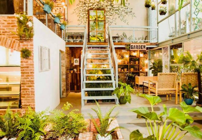 Quán cà phê giữa lòng Sài Gòn khiến bạn cảm giác như đang ở giữa mùa Thu châu Âu - 1
