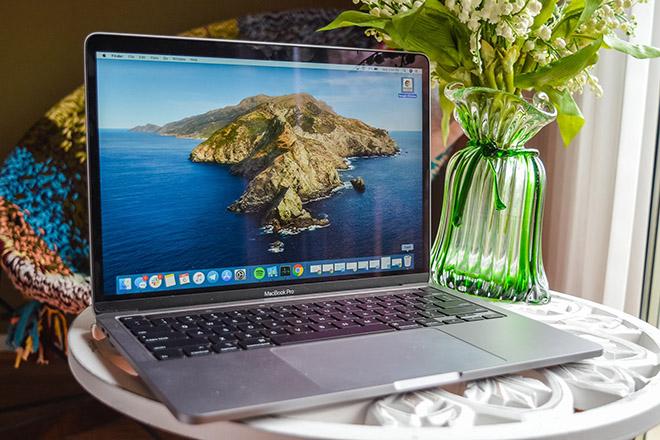 Đã có thể mua MacBook Pro 13 inch 2020 giá rẻ hơn từ Apple - 1