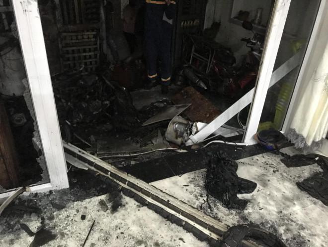 Nghi án mua xăng về tự phóng hỏa đốt cả 5 người trong nhà - 1