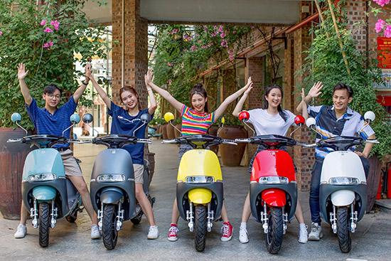 Điều gì khiến các cô nàng mê mẩn xe máy điện Dibao đến thế? - 1