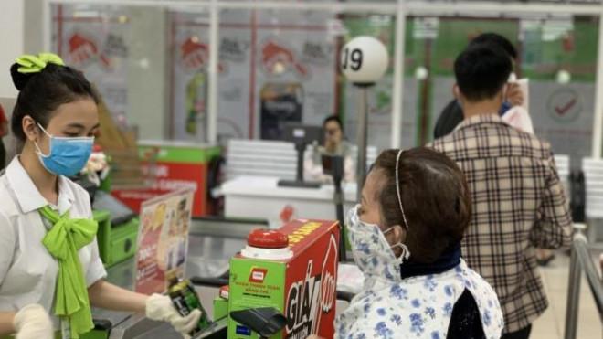 Cận kề lễ 2/9 và rằm tháng 7, siêu thị nhiều hàng giảm giá, sức mua tăng - 1
