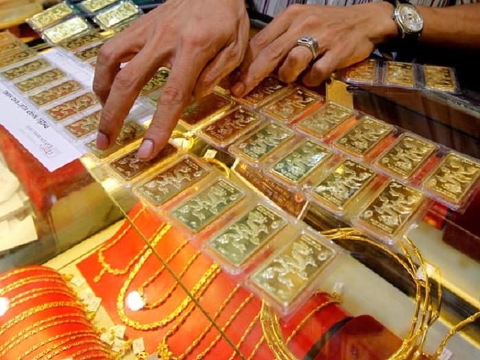Giá vàng hôm nay 1/9: Vọt tăng, phá mốc 57 triệu đồng/lượng - 1