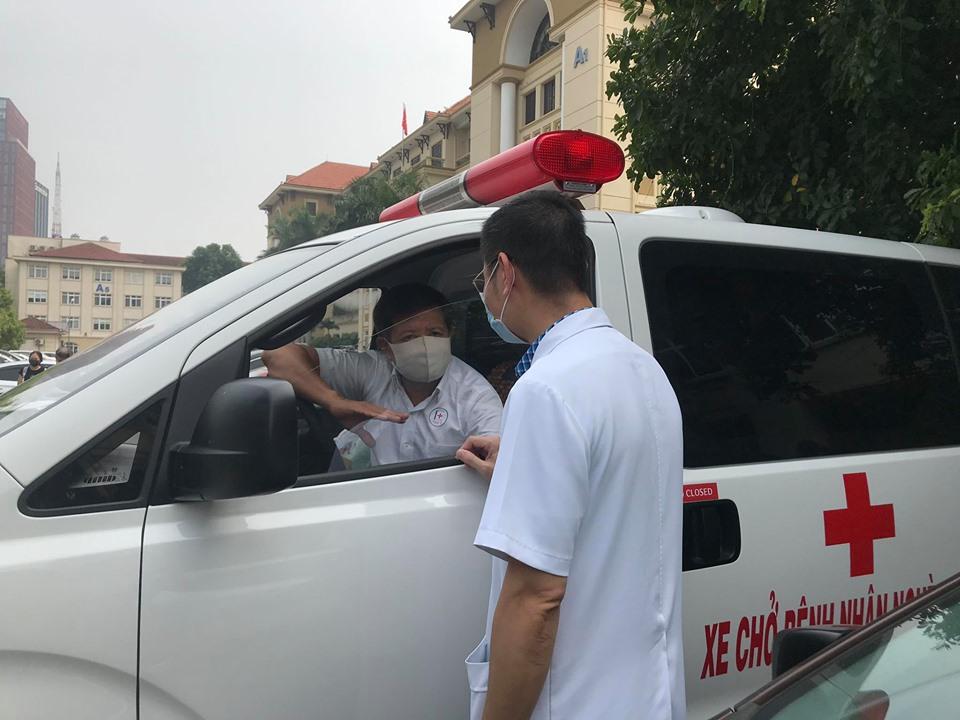 Tin tức 24h qua:Ông Đoàn Ngọc Hải tự lái xe đưa bệnh nhân nghèo từ Hà Nội về Hà Giang - 1