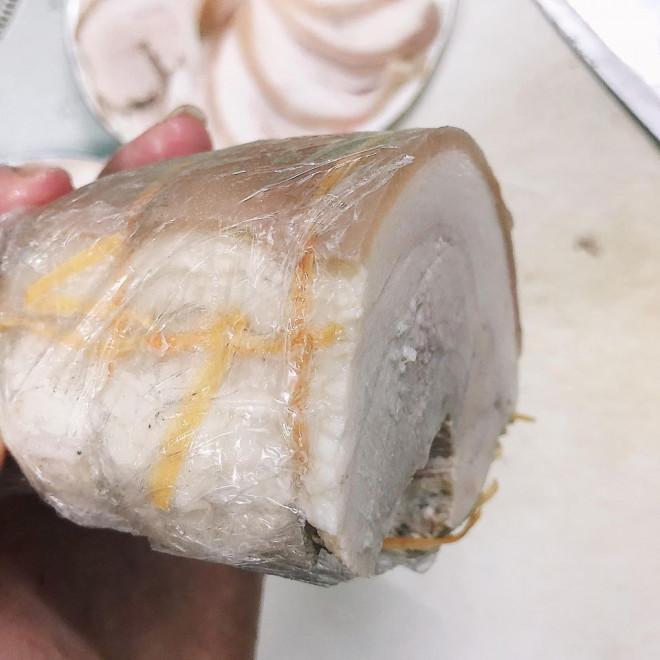 Luộc thịt thêm vài giọt này, thịt thái mỏng tang lại còn mềm, thơm, trắng tinh - 3