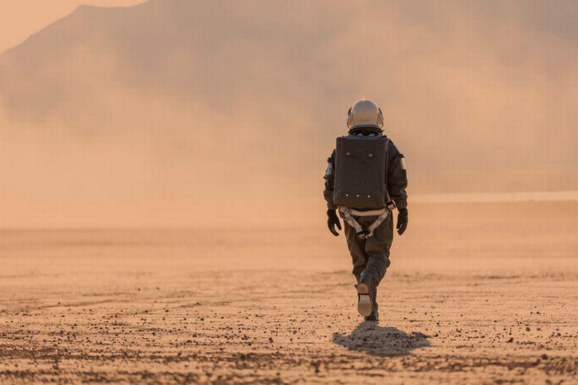 Tỷ phú Mỹ nói điều hãi hùng về số phận những người đầu tiên đến sống ở sao Hỏa - 1