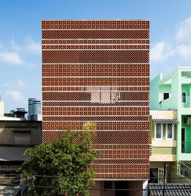 Dự án là một căn hộ nhỏ có bảy phòng ở Quận Bình Thạnh, một khu vực gần như trung tâm của Thành phố Hồ Chí Minh.