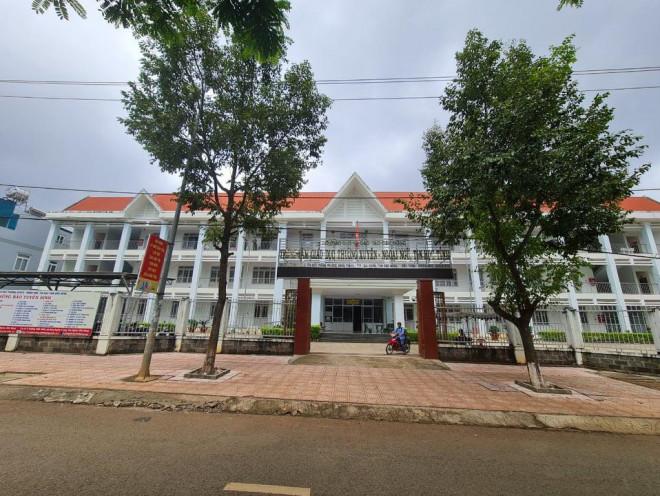 Cán bộ Thanh tra tỉnh Đắk Nông đột tử khi đang làm bài thi - 1