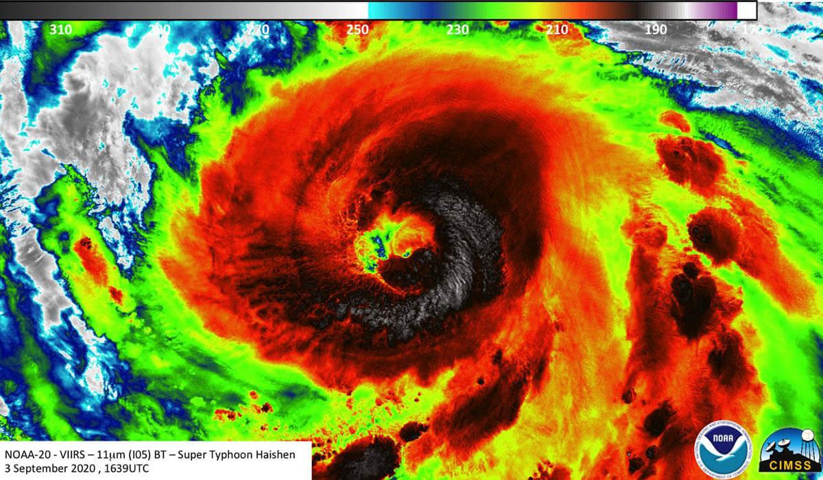 Sức mạnh siêu bão Haishen đổ bộ Nhật Bản: Vật vô hại hóa vũ khí nguy hiểm - 1