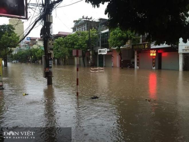 Thái Nguyên: Sau mưa lớn kéo dài, nhiều nơi chìm trong biển nước - 1