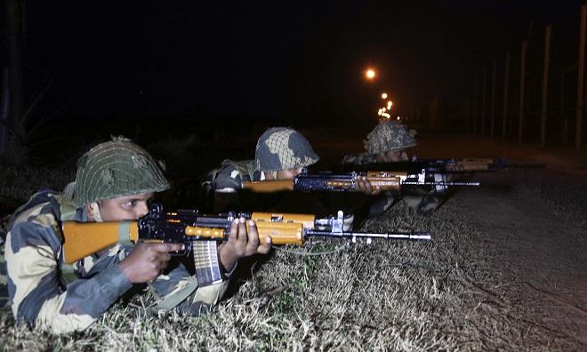 Lính Trung Quốc tuần tra biên giới bị binh sĩ Ấn Độ nổ súng - 1