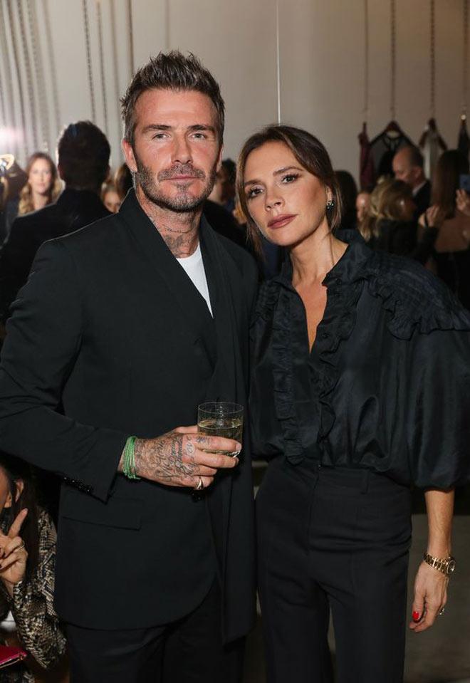"""Vợ chồng Beckham nhiễm Covid-19, bị báo Anh """"bóc mẽ"""" vì thói ham tiệc tùng - 1"""