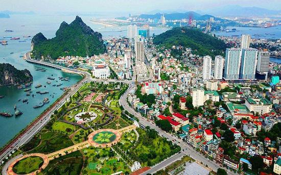 Cô gái Đà Lạt 26 tuổi có 7.600 tỷ, mua đứt 2 tòa lâu đài triệu đô của Khải Silk - 1