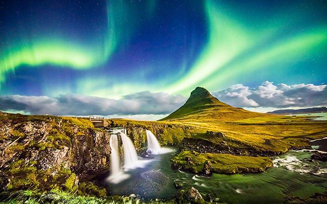 Iceland: Nổi tiếng với tour du lịch ngắm Bắc Cực quang và nằm trong danh sách hút khách trên thế giới, Iceland bị ảnh hưởng bởi dịch bệnh, quốc gia này đã có những quyết định kích cầu như giảm giá tour, nâng mức sang trọng của dịch vụ, đồ ăn ngon... và đã có cải thiện.