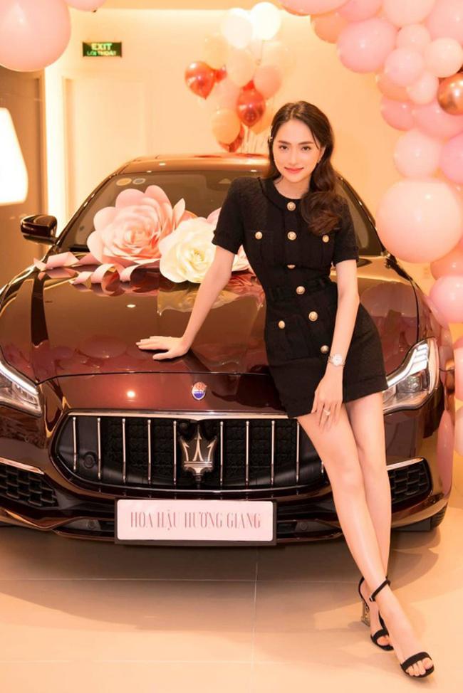 Mới đây hoa hậu chuyển giới Hương Giang gây bất ngờ khi tậu xế sang có trị giá tới gần 8 tỷ đồng.