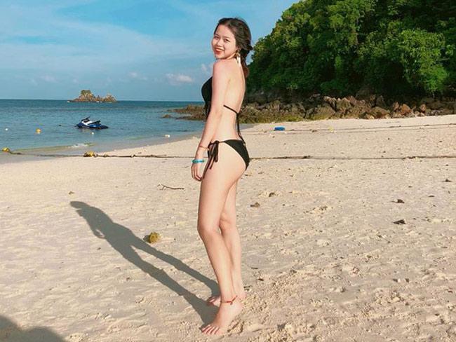 Thời gian gần đây, Huỳnh Anh khá chăm chỉ đăng ảnh diện bikini khoe dáng.