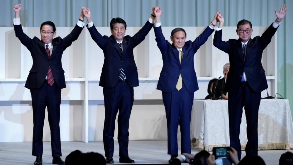 """""""Lời nguyền"""" với các Thủ tướng Nhật: Ông Suga sẽ chấm dứt một lần và mãi mãi? - 1"""