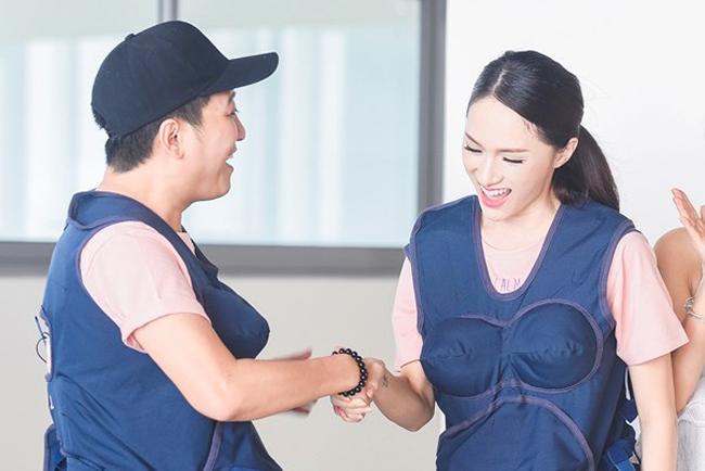 Hương Giang từng tham gia chương trình 'Khi đàn ông mang bầu' cùng nam diễn viên hài Trường Giang.