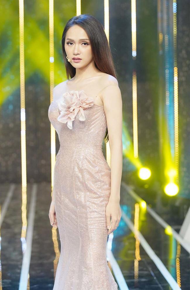 Trong mùa 3, Hương Giang đã tìm ra được 'một nửa' là CEO người Singapore cô đang chính thức hẹn hò.
