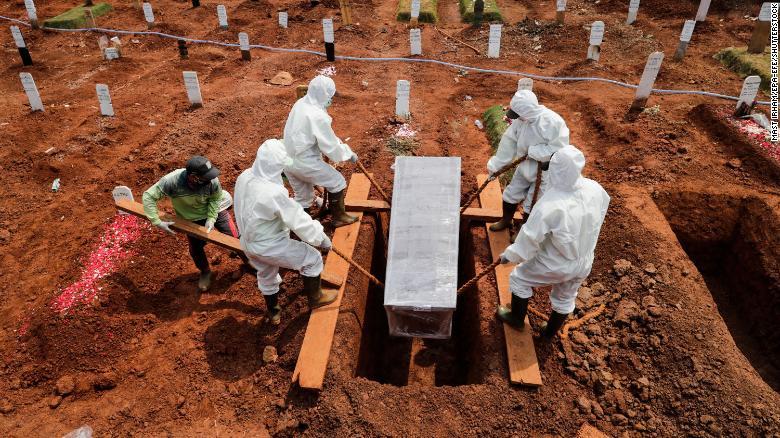 """Nước châu Á sắp vượt 5 triệu ca Covid-19: Tỷ lệ tử vong thấp ẩn chứa điều """"đáng sợ""""? - 1"""
