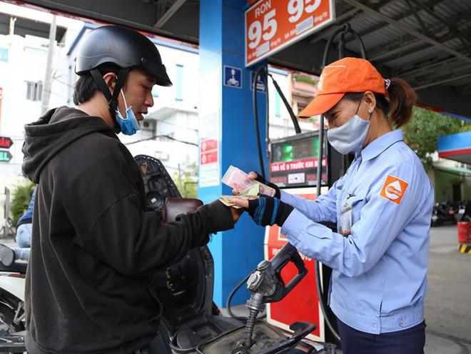 Cách tính giá xăng sẽ có nhiều thay đổi? - 1