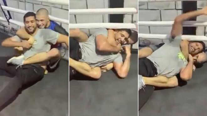 """""""Hoàng tử"""" Boxing đấu võ với thanh niên MMA phải xin thua bẽ bàng - 1"""