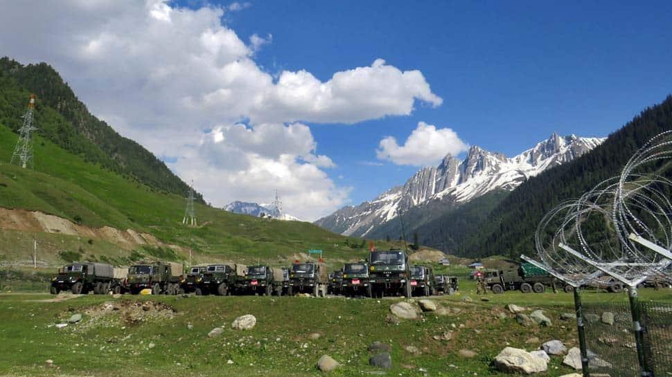 Quân đội TQ có động thái lạ giữa căng thẳng biên giới: Mở loa cho binh sĩ Ấn Độ nghe hát - 1