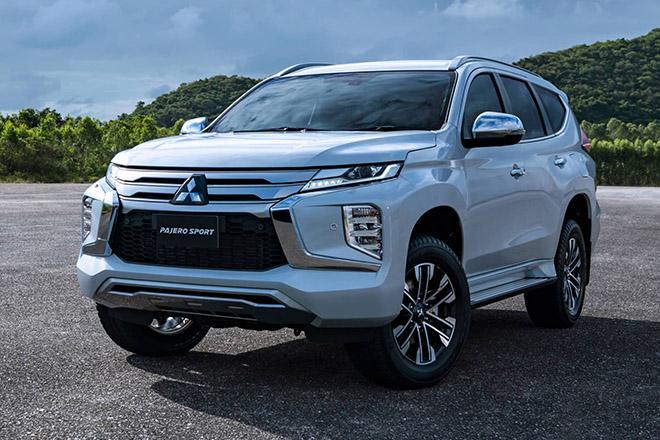 Mitsubishi Pajero Sport 2020 đếm ngược ngày về Việt Nam đấu Toyota Fortuner - 1
