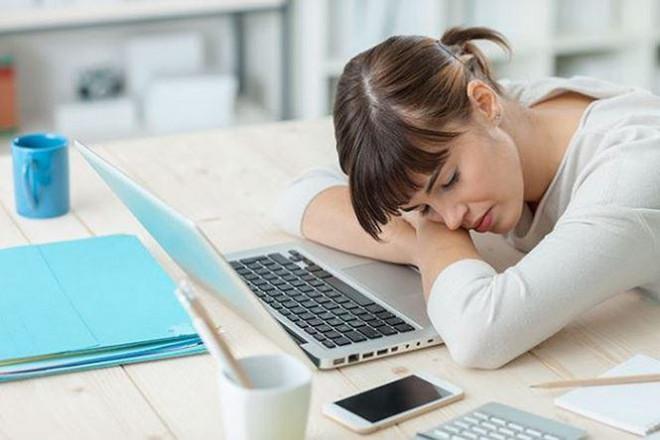 Hai kiểu ngủ trưa vô cùng độc hại bạn nên từ bỏ ngay và luôn - 1