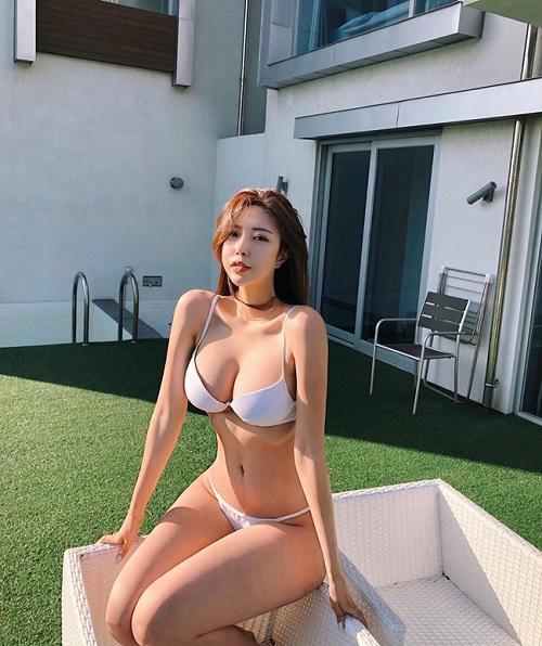 Những hot girl xứ Hàn dù hở bạo hay kín đáo cũng đều gây bão nhờ thân hình vệ nữ trời ban - 1