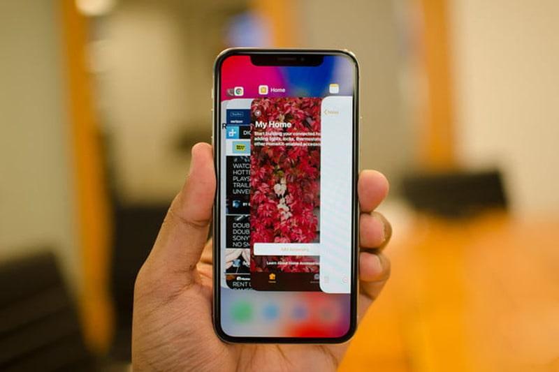 Đây là hai mẫu iPhone tương đồng thiết kế, giá mềm và rất bền - 1