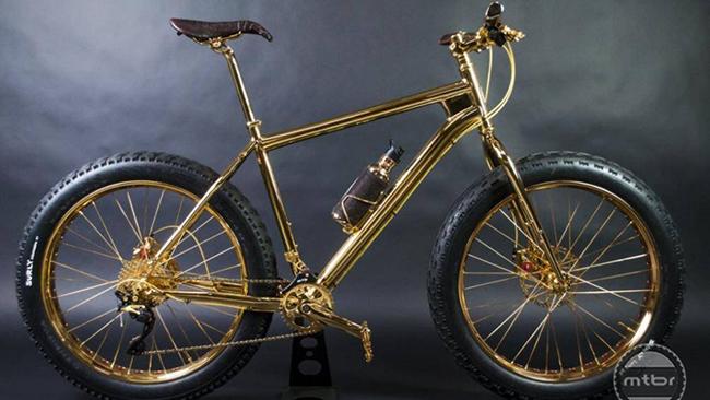 1. 24K Gold Extreme Moutain Bike: Đây là chiếc xe đạp đắt nhất thế giới với khung làm bằng vàng nguyên chất 24k có giá 1 triệu USD (23,18 tỷ đồng)