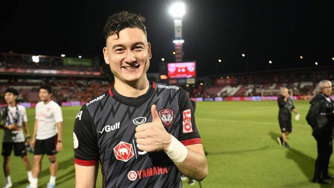 Văn Lâm cản phá xuất thần, giúp Muangthong phá dớp tại Thai League - 1