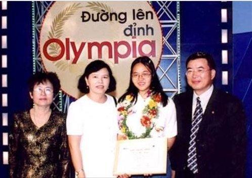 """20 năm """"Đường lên đỉnh Olympia"""" chỉ có 4 cô gái vô địch - 1"""