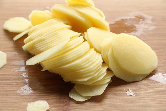 Thêm một bước nữa khi làm khoai tây chiên, đảm bảo giòn ngon, lâu bị ỉu - 2