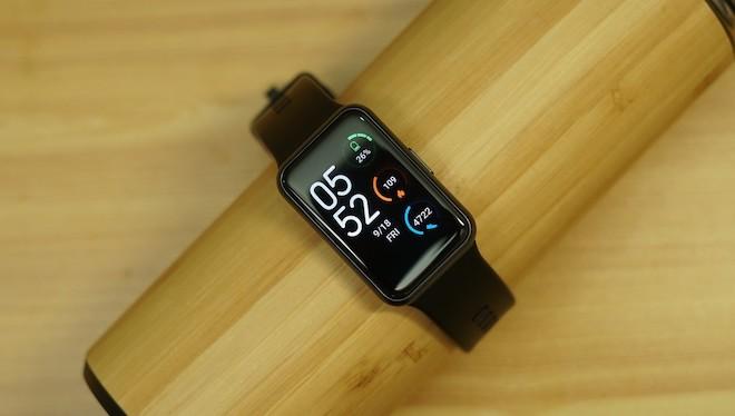 Đánh giá Huawei Watch Fit: Trợ lý sức khỏe thông minh, pin khỏe - 1