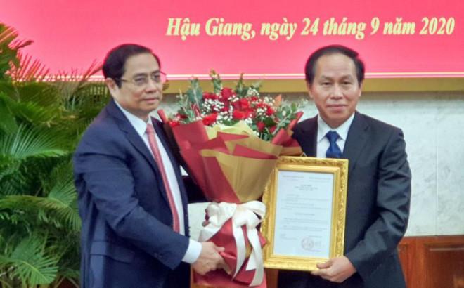 Ông Lê Tiến Châu nhận quyết định làm Bí thư Hậu Giang - 1