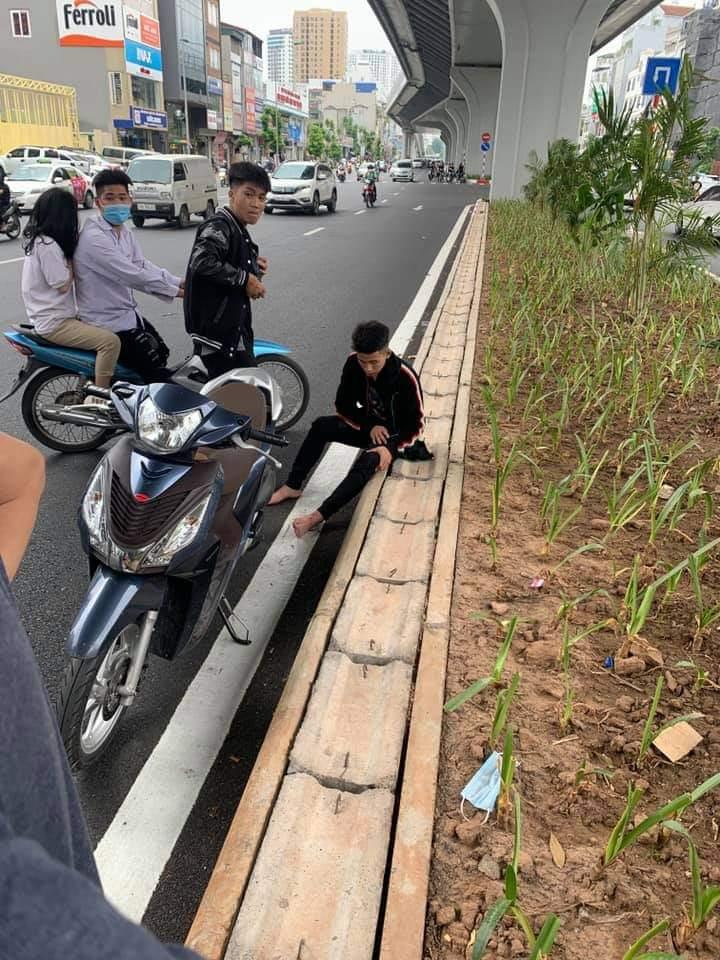 """Vụ nhóm thanh niên """"hổ báo"""" sau va chạm giao thông ở Hà Nội: Triệu tập 1 đối tượng - 1"""