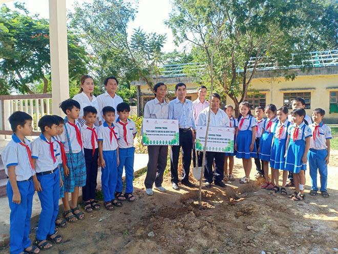 Toyota xanh hóa học đường góp phần nâng cao ý thức bảo vệ môi trường cho học sinh - 1