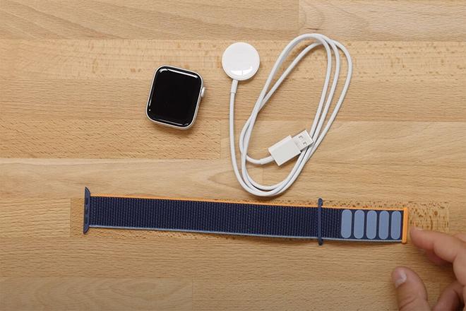 Video: Đập hộp đồng hồ Apple Watch SE - 1