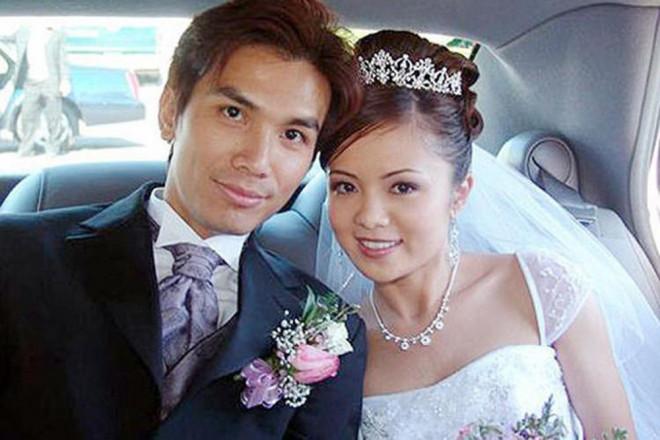 Mạnh Quỳnh lấy vợ xinh đẹp bí ẩn