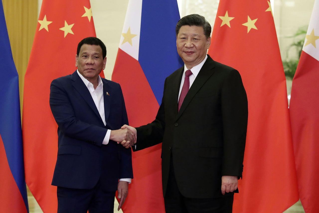 Biển Đông: Tổng thống Philippines bất ngờ quay lại thân thiết với Trung Quốc? - 1