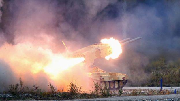 "Chiến sự Armenia và Azerbaijan: Giao tranh suốt đêm, ""hỏa thần"" TOS-1A tham chiến - 1"