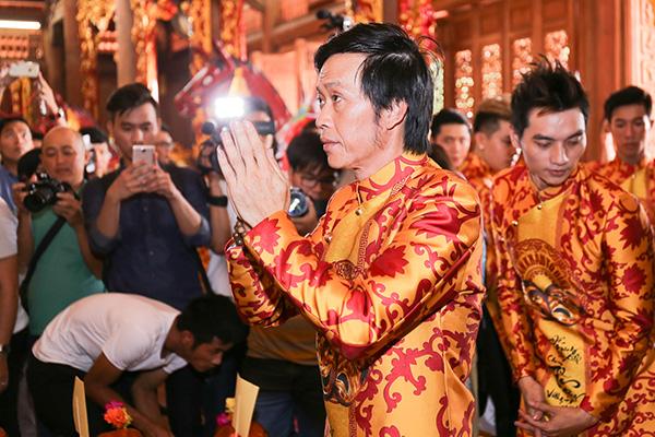 Hoài Linh đóng cửa đền thờ 100 tỷ, các sao Việt cúng giỗ Tổ nghề sân khấu 2020 ra sao? - 1