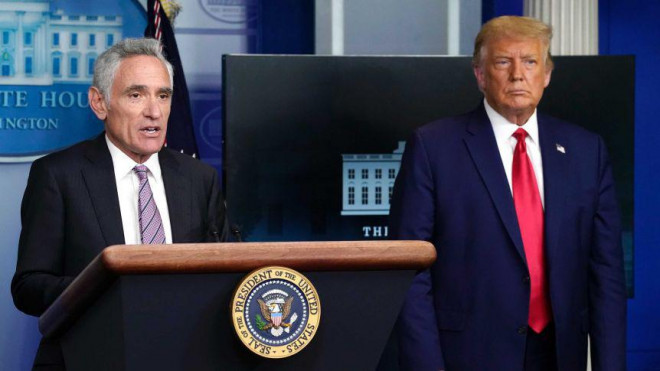 """Covid-19: Tổng thống Trump bị cấp dưới """"hại""""? - 1"""