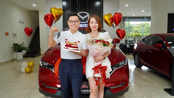 """Góc """"vợ nhà người ta"""": Tặng chồng ô tô tiền tỷ nhân ngày sinh nhật - 1"""