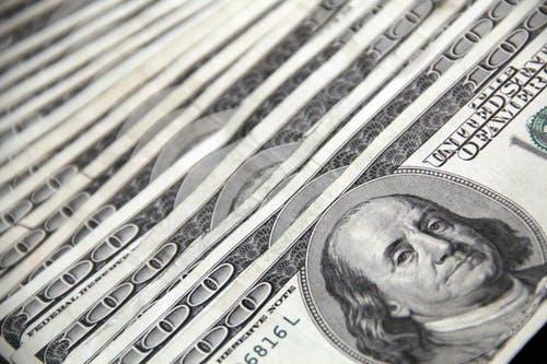 Tỷ giá USD hôm nay 30/9: Lao dốc không phanh - 1