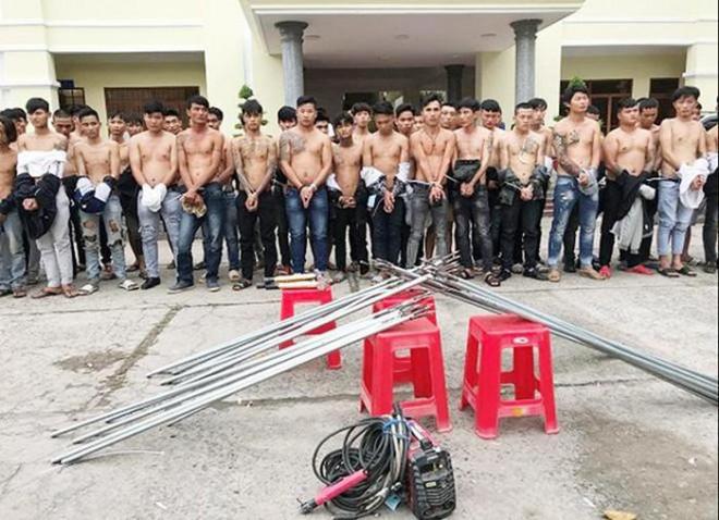 """Bắt giữ 59 thanh niên mang hung khí """"dàn trận"""" ở Biên Hòa - 1"""