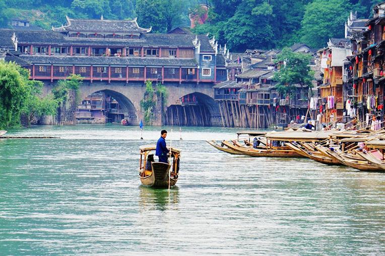 10 thị trấn cổ đẹp mê hồn tại Trung Quốc - 9