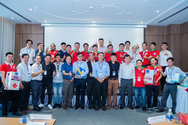 Dầu Khí Việt Hàn cam kết đồng hành cùng quý đối tác và đại lý - 1